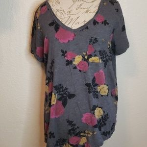 Gorgeous Torrid floral top like new